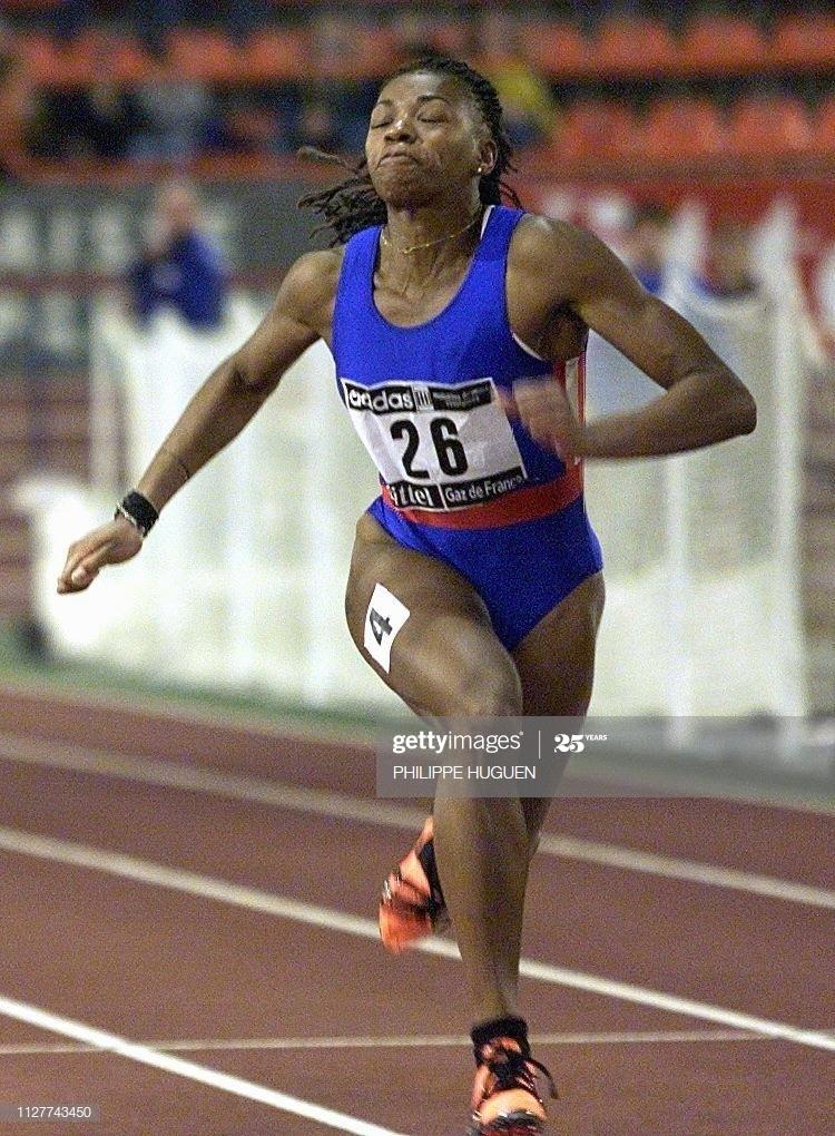 la sociétaire de Neuilly Plaisance Sports, Odiah Sidibe, remporte la finale du 60 m en 7 sec 18, le 13 février au stade couvert regional de Liévin, lors des Championnat de France d'athlétisme en salle.    (IMAGE ELECTRONIQUE) (Photo by Philippe HUGUEN / AFP)        (Photo credit should read PHILIPPE HUGUEN/AFP via Getty Images)